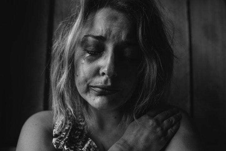 Waarom kwetst een narcist je? - Hurt people hurt people