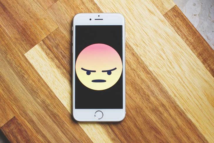 Narcisten op Facebook herkennen